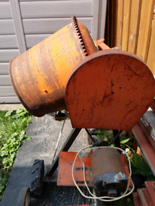 Electric cement mixer! SOLD!!