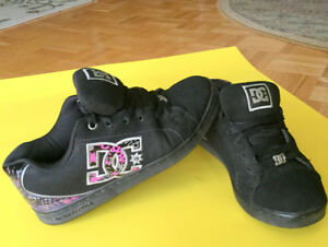 Girls or Ladies DC Runners Size 7 Sneakers Shoes