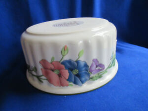 VILLEROY and BOCH -VILBOFOUR-AMAPOLA new no tags/box