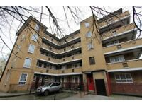3 bedroom flat in Limehouse, Poplar, E14 GREAT INVESTMENT OPPORTUNITY
