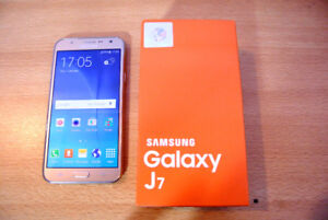 Samsung Galaxy J7, Unlocked, Dual Sim Slots. New!
