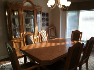 Dining table, 8 chairs and Hutch