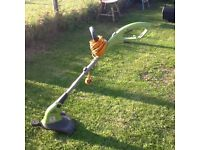 Performance Power 550 watt grass trimmer/strimmer