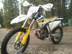 Husqvarna FC FE 250, like new-10 hours. Lowered 2""