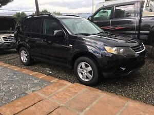 Outlander!!4WD! Sunroof! Reduced!