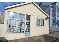 Small commercial unit TO LET in Peverell