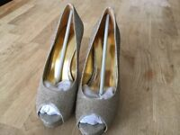 Nine West Camya 22 Gold Glitter occasion shoe uk size 5