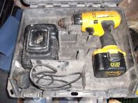 DEWALT CORDLESS DRILL DRIVER WITH CHARGER IN CARRY CASE IN GWO