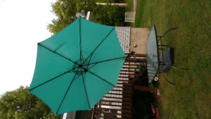 Table umbrella and 2 reclining lawn chairs