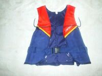 buoyancy aid for child 30 - 40 kg Compact