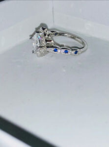Silver Ring w/jewels Size 5