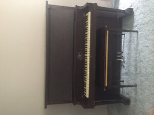 Free Piano -Amherst