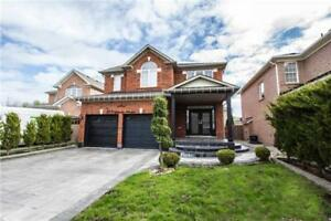 ***NEW LISTING!!*** LUXURY DETACHED HOME IN RICHMOND HILL!!!