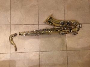 Used Bb Tenor Saxophone-Yamaha Student Model (w/case + strap)