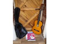 Encore 3/4 Acoustic Guitar,with Learn to Play Books,and Quality Gig Bag.