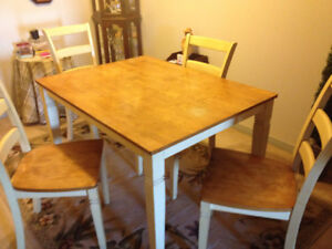"Table (36""X48"") 4 high back chairs - wooden - good shape"