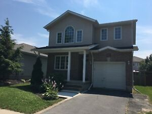 3+1 BDRM EAST END HOUSE FOR RENT! 985 Rainbow Cres.