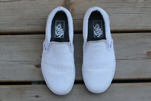 Preowned: Unisex Perforated Vans Slip Ons