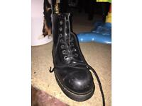 Dr Martin safety shoe