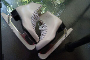 Patins - Figure skates + protection lames/blade protectors - 8