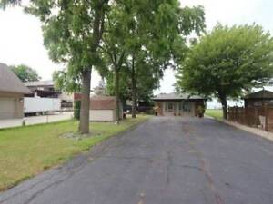 161 Lakeview Dr