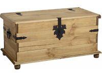 Corona Blanket Box