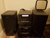 Aiwa stero system LCX-01, inc speakers. CD, cassette and radio