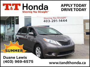 2016 Toyota Sienna **C/S**LE*No Accidents, Heated Seats, USB