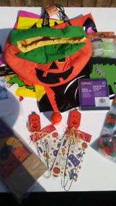 Halloween party supplies lot