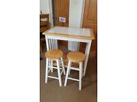 Breakfast Bar Table & Stools - Kitchen
