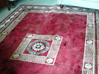 An attractive Large Rug, red/ beige