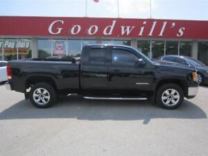 2010 GMC Sierra 1500 SLE! LEATHER SEATS!