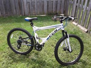 CCM   Full Suspension Montain  Bike 26