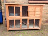 pets mart rabbit hutch very good condition.