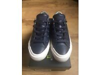 Converse unisex navy leather size 4 but small made