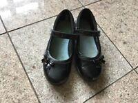 Girls black school shoes CLARKS size 2H