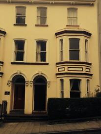 Double room to let in beautiful, 5-bedroom Victorian townhouse. Mod-cons included and HMO certified.