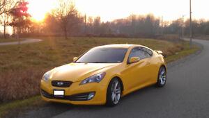2010 Hyundai Genesis Coupe 3.8 Track Package (2 door)
