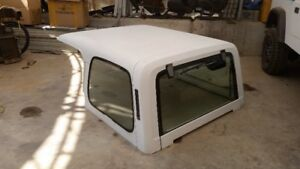 Jeep YJ for parts. white / black hard top.