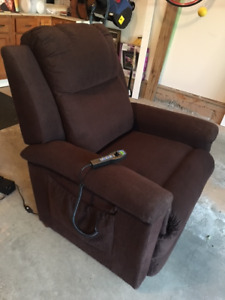 Lazy Boy Lift Recliner