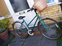 LADIES RALEIGH HYBRID BIKE WITH NEW FITTED BASKET IN GREAT WORKING ORDER
