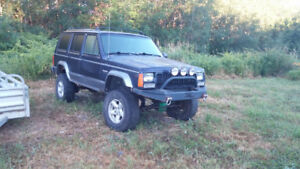 (Parting out) 1997 Jeep Cherokee