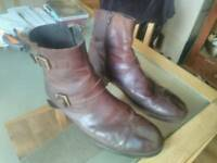 Clarke's size 10.5 mens boots
