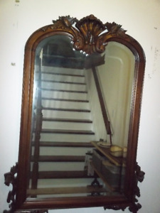 ANTIQUE SOLID WOOD HAND-CARVED MIRROR