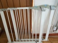 2x lindam baby gates