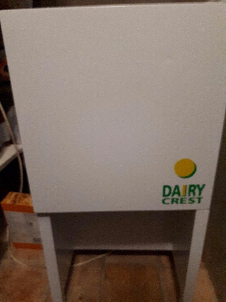 Autonomis dairy crest milk purgle dispenser fridge, clean and working order