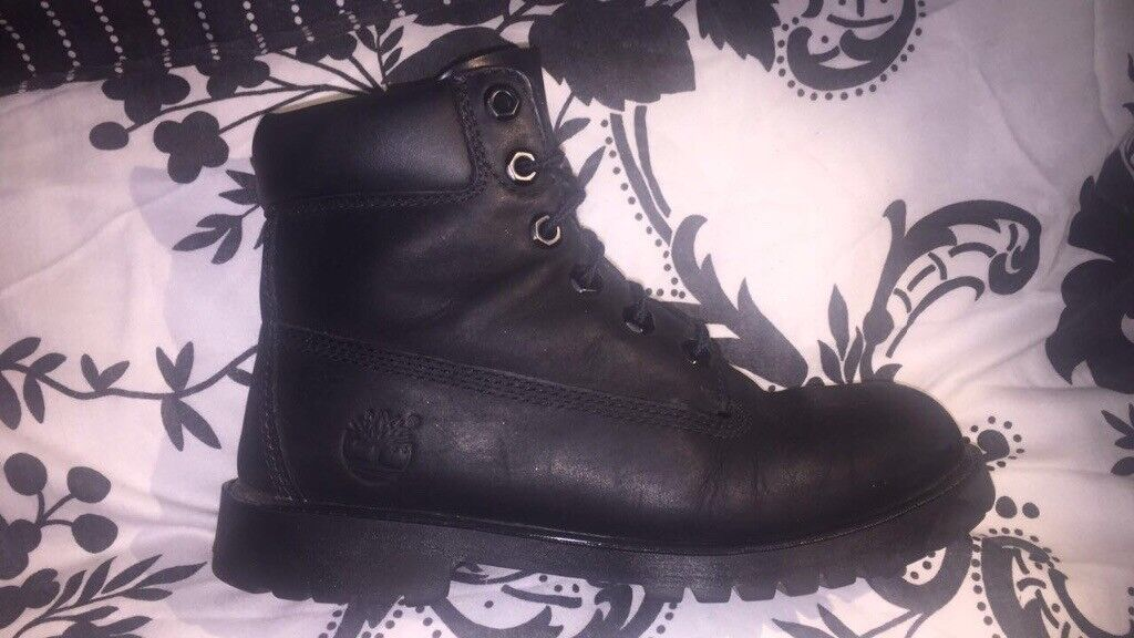 BLACK SIZE 4 REAL TIMBERLAND BOOTS.