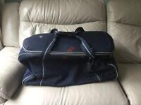Large travel bag/holdall