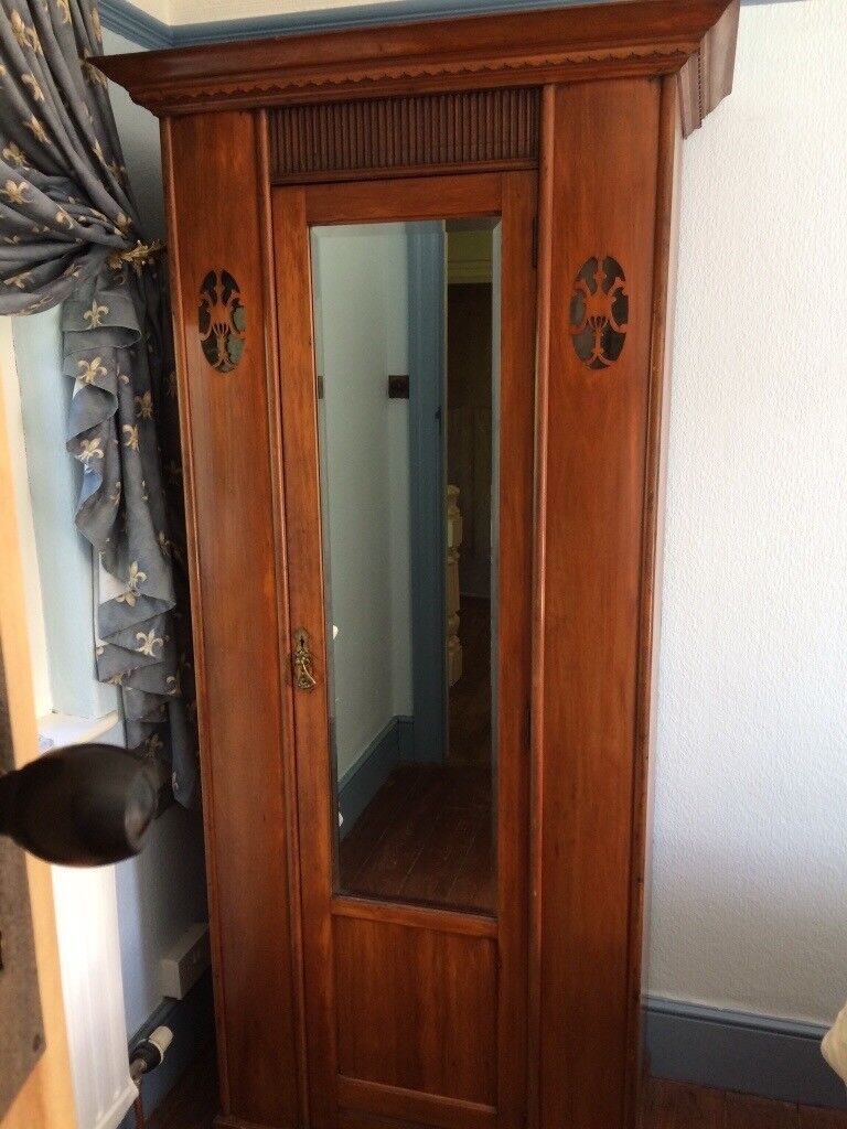 Single Wardrobe with full length bevel edge mirror. Good condition, perfect for a small room.