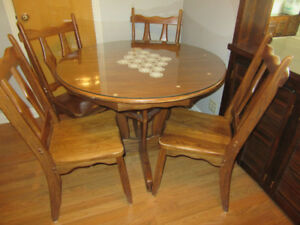 Solid wood table, 4 chairs and corner hutch